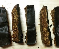 Paleo Chocolate Crunchy Bar